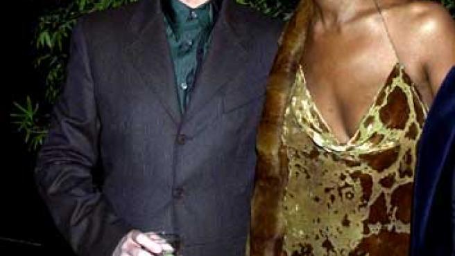 David Bowie junto a su mujer la modelo Iman.