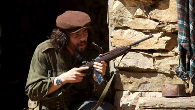Benicio del Toro caracterizado como el Che. FOTO: EFE.