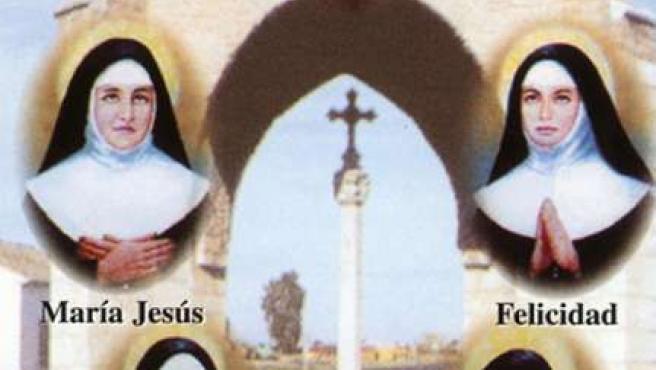 Teresa Ferragud, arriba, junto a sus cuatro hijas religiosas.
