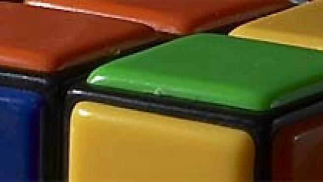 El cubo de Rubik, una diversión para unos y una frustración para otros.