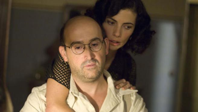 Fotograma de 'Los girasoles ciegos', con Maribel Verdú y Javier Cámara (ARCHIVO)