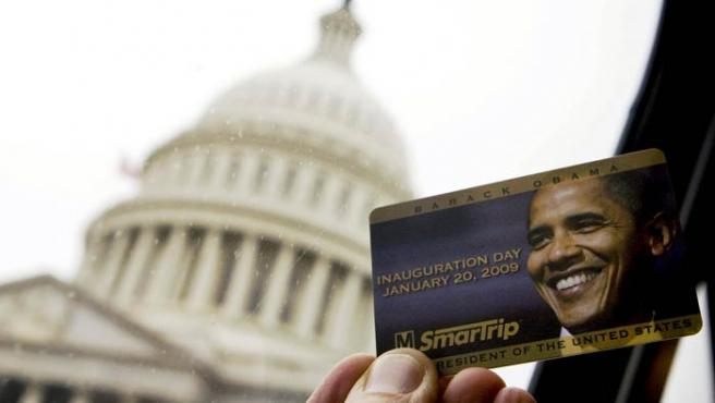 Tarjeta de transportes conmemorativa del nombramiento de Obama.