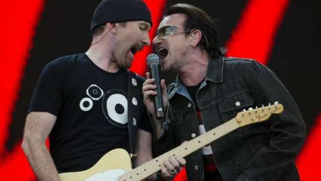 U2, durante un concierto.