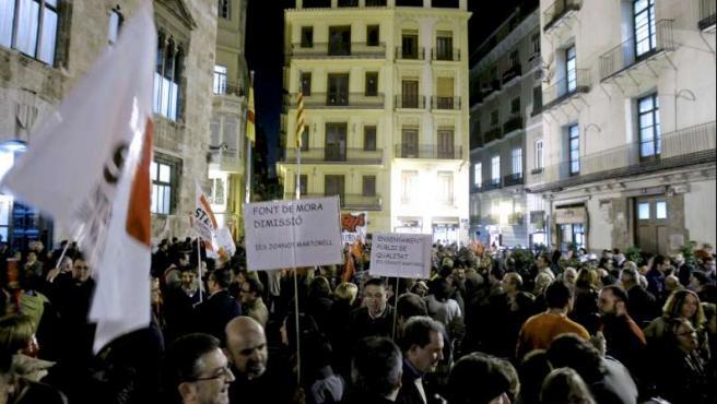 Miles de profesores, durante una protesta contra la Conselleria de Educación.