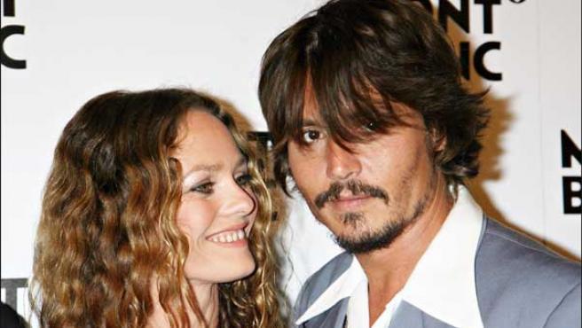 Johnny Depp y Vanessa Paradis en una foto tomada en 2006 (KORPA).