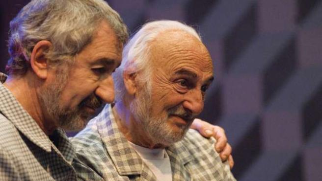Un momento de la interpretación de Héctor Alterio y José Sacristán. (ARCHIVO)