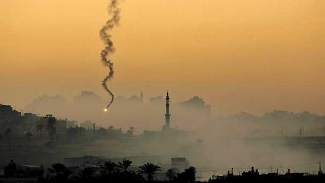 Imagen de archivo de un bombardeo sobre Gaza.