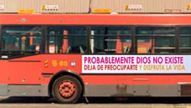 Así lucirán los autobuses de Madrid la propaganda atea.