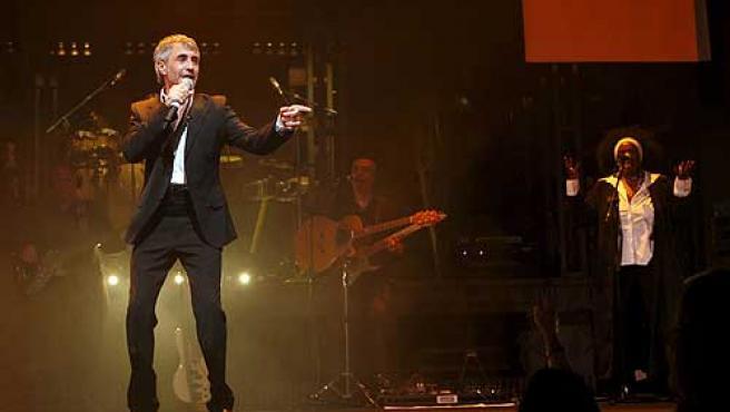 Sergio Dalma durante un concierto.