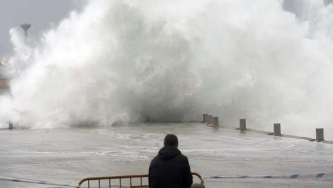 Fuerte oleaje en un temporal registrado en A Coruña.