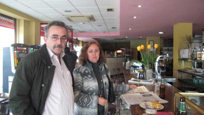 El juez Ferrín Calamita, con su esposa.