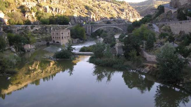 Imagen del río Tajo a su paso por Toledo.