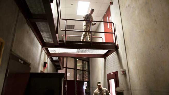 El campo de detención 6 de la prisión de Guantánamo, en una imagen de archivo revisada por el Ejército de EE UU.
