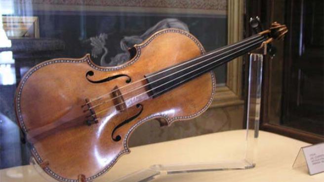 Un violín Stradivarius expuesto en Nueva York. (EFE)