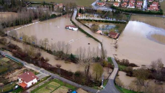 La urbanización El Lago fue la que más sufrió las inundaciones en Miranda de Ebro.