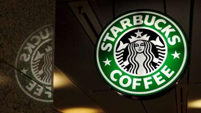 Una cafetería de Starbucks.
