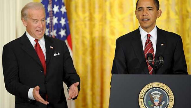 El presidente estadounidense, Barack Obama, y el vicepresidente, Joe Biden, en la rueda de prensa celebrada este viernes. (Matthew Canavanaugh / EFE).