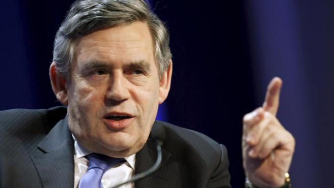 El primer ministro británico, Gordon Brown, durante su intervención en Davos. REUTERS