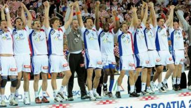 Francia, en el podio de campeón del mundo de balonmano 2009 (EFE)