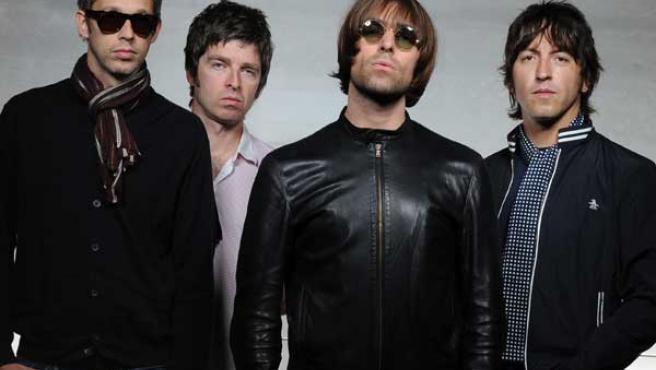 Oasis en una imagen promocional.