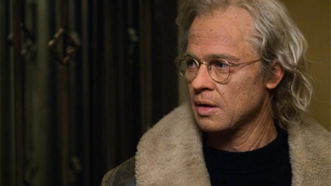 Brad Pitt, caracterizado para el papel de Benjamin Button (WARNER BROS).