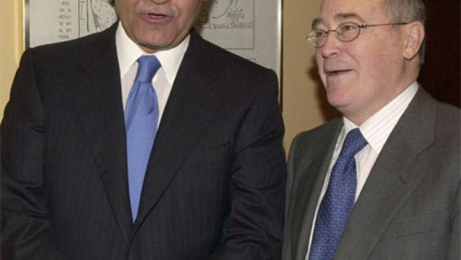 Gerardo Díaz Ferrán (i), actual presidente de la CEOE, y José María Cuevas (d), en una foto de archivo de 2005. (EFE)