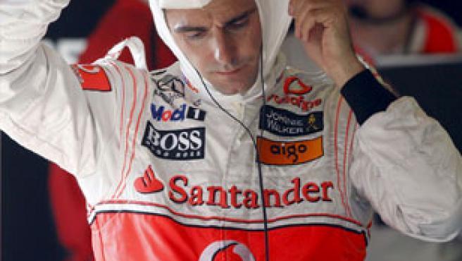 El piloto probador de McLaren Mercedes Pedro Martínez de la Rosa, durante los entrenamientos en Montmeló.