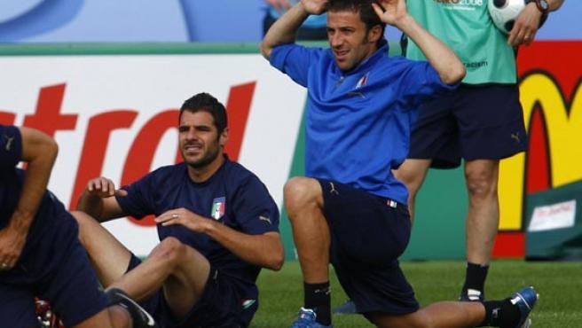 Del Piero y Perrota, en un entrenamiento de Italia. (EFE)