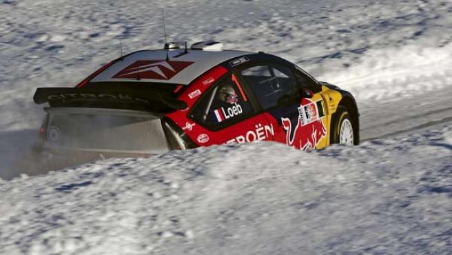 El piloto francés Sebastien Loeb, en su Citroen C4 WRC durante el Rally de Noruega en Hamar, Noruega.