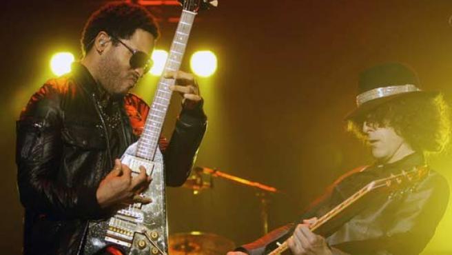 Lenny Kravitz durante un concierto. (REUTERS).