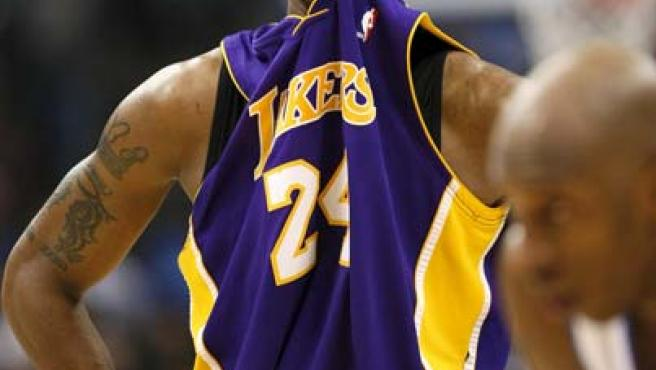Del buen estado de las rodillas de Bryant dependerá el éxito de los Lakers.