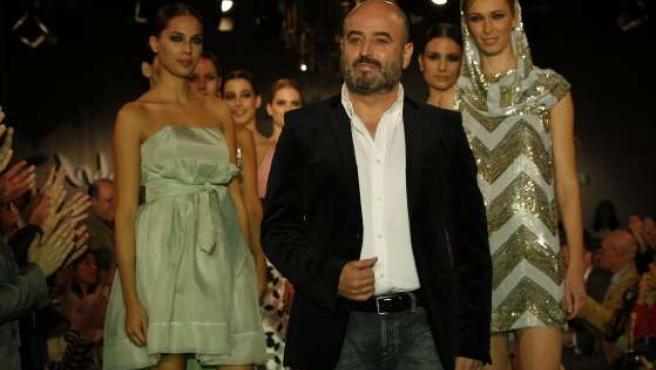 El diseñador Antonio García, en uno de sus desfiles.