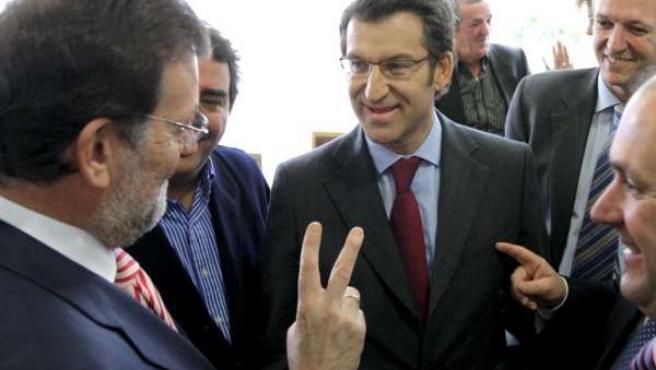Mariano Rajoy felicitó en persona a Alberto Núñez Feijóo por su victoria en Galicia.