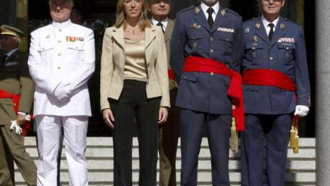 Chacón posa con su nueva junta del Estado Mayor.