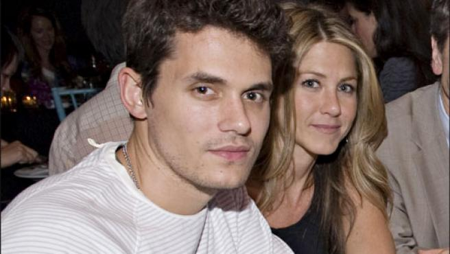 Jennifer Aniston y John Mayer, en una foto de archivo.