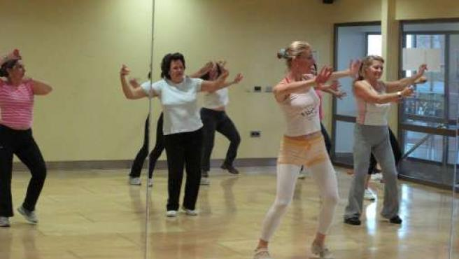 Una clase de flamenco fitness.