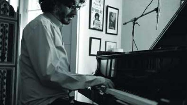 Fito Páez y su fiel compañero, el piano.