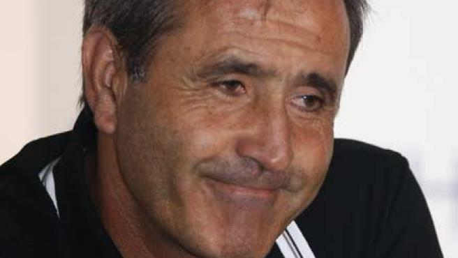 Severiano Ballesteros, en el momento en el que anunció su retirada del golf profesional. (EFE)