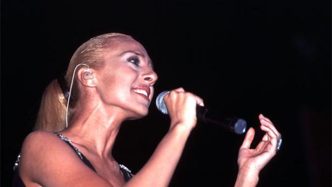 Mónica Naranjo durante una actuación.