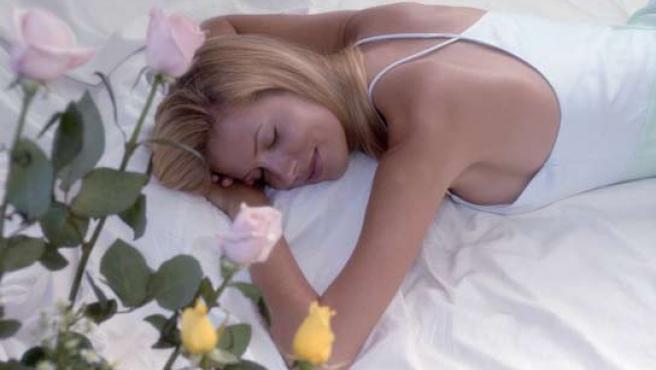 El sueño disminuye el número de conexiones neuronales.