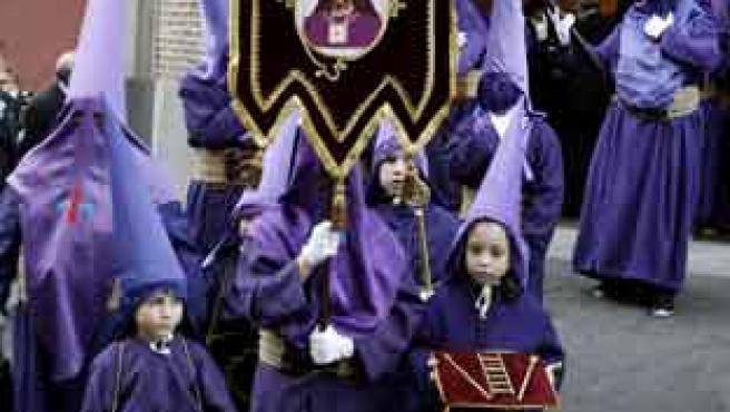 """Procesión madrileña del Jesús Nazareno """"El Pobre"""" y María Santísima del Dulce Nombre."""