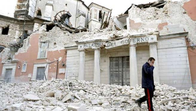 El Palacio de Gobernación de L'Aquila, en ruinas.