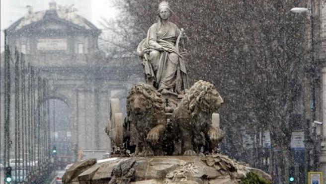 La nieve no llegará al centro de Madrid, donde este año sí se ha visto. En la imagen, la Cibeles.