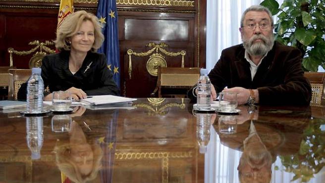 Elena Salgado y Cándido Méndez, antes de su reunión.