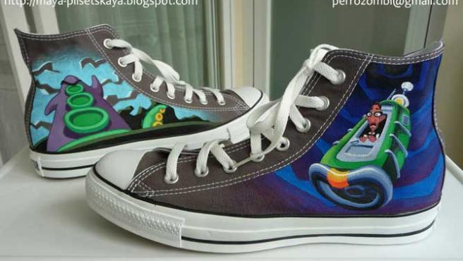 Una artista madrileña vende un diseño exclusivo de zapatillas de Day of the Tentacle.