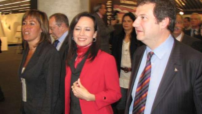 La ministra de Vivienda, Beatriz Corredor, y el alcalde de Barcelona, Jordi Hereu, en Construmat.