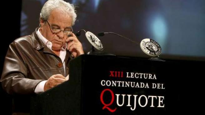 Marsé fue el encargado de abrir la tradicional lectura ininterrumpida de El Quijote.