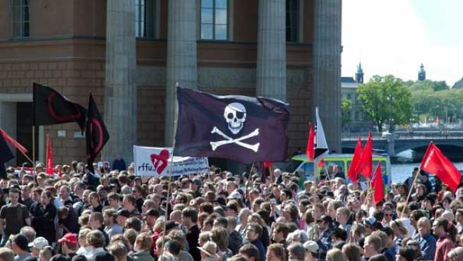 Manifestación en Estocolmo contra la confiscación de los servidores, el 3 de junio de 2006.