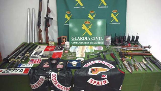 Armas incautadas a 'Los Ángeles del Infierno'.