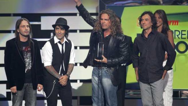El grupo Maná tras obtener el premio al mejor tema pop airplay del año.